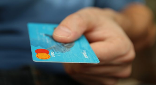 Ratgeber: Kostenlose Kreditkarten für den Urlaub