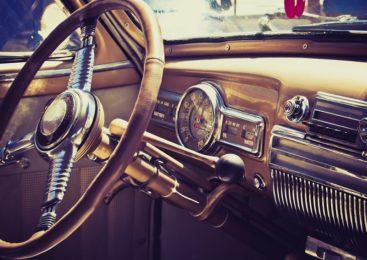 Mit der Oldtimer-Versicherung günstiger fahren